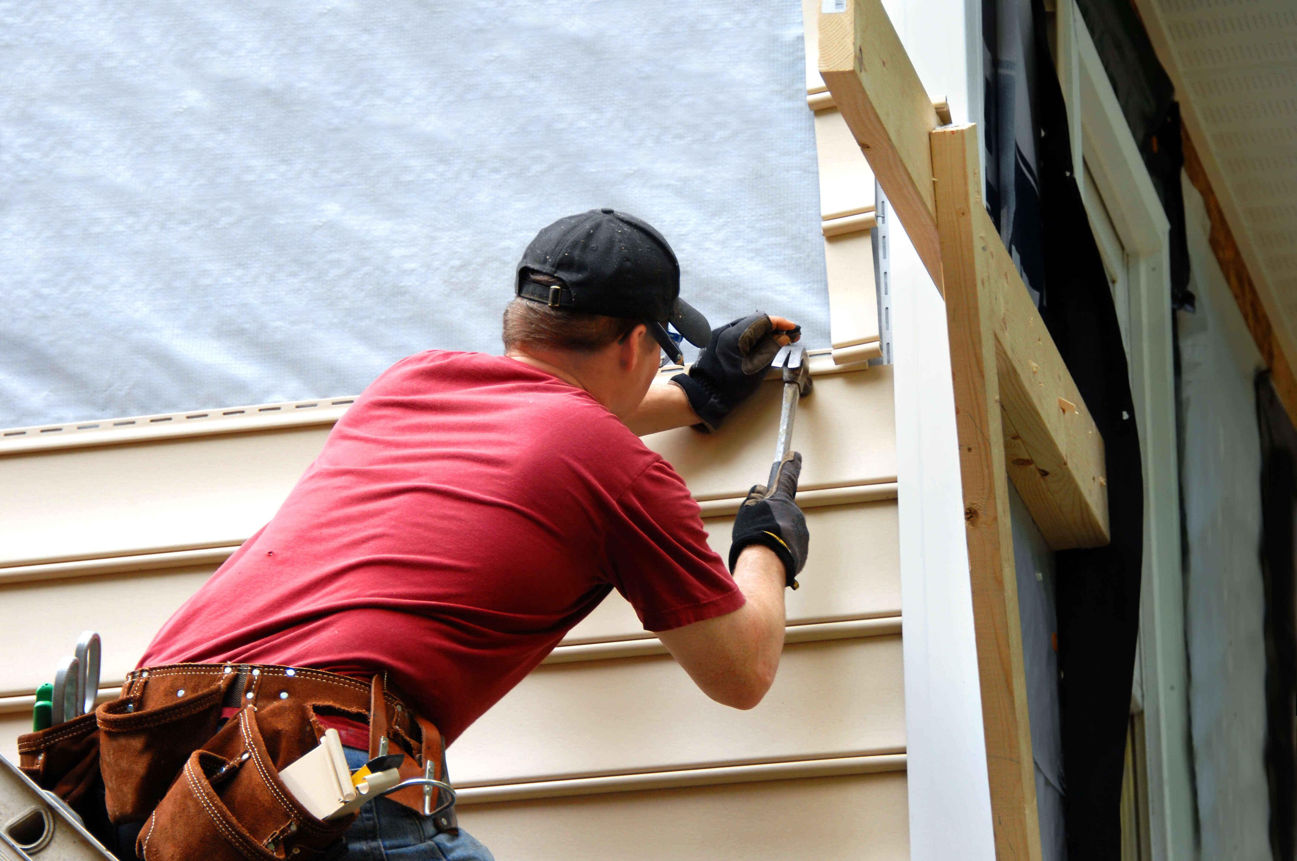 Terre Haute Siding Contractors install new home siding